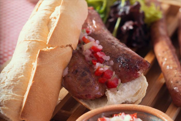 Chorizo parrillero precocido con piel
